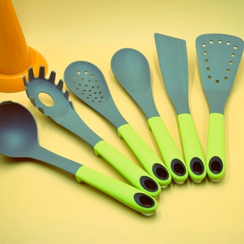 nylon kitchen shovel