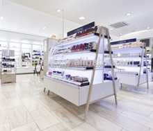 European style modern display cases for famous cosmetics brand store