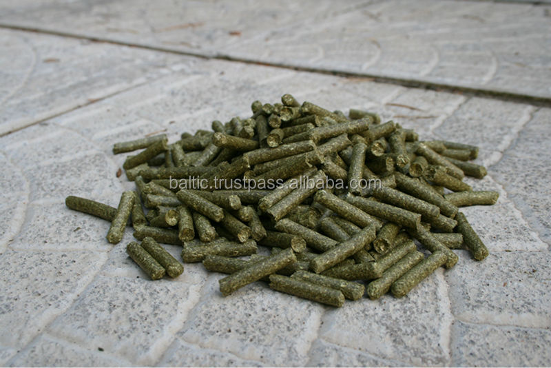 Organic meadow hay pellets for animal bedding