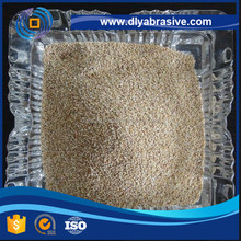 Dry corn cob grits for soft abrasive blasting