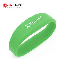 Access Control Cheap Price Colorful Waterproof Mifare 4k Silicone RFID Wristband with Logo
