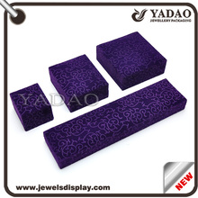 Magnetic clear plastic jewelry packaging