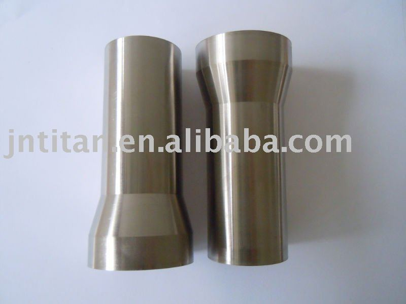 Titanium bicycle head tube
