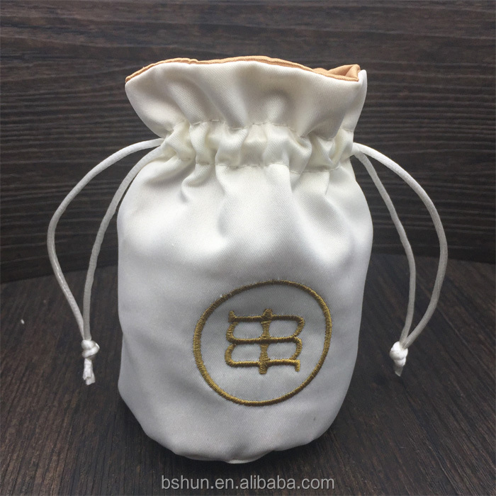 Tribute Silk Fabric Bracelets Jewelry Bag with Satin Lining