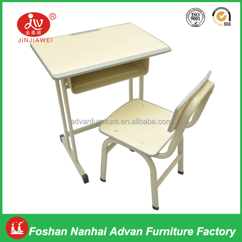 Hot Sale School Furniture Werzalit Top Desk and Chairs Single School Table with Chairs