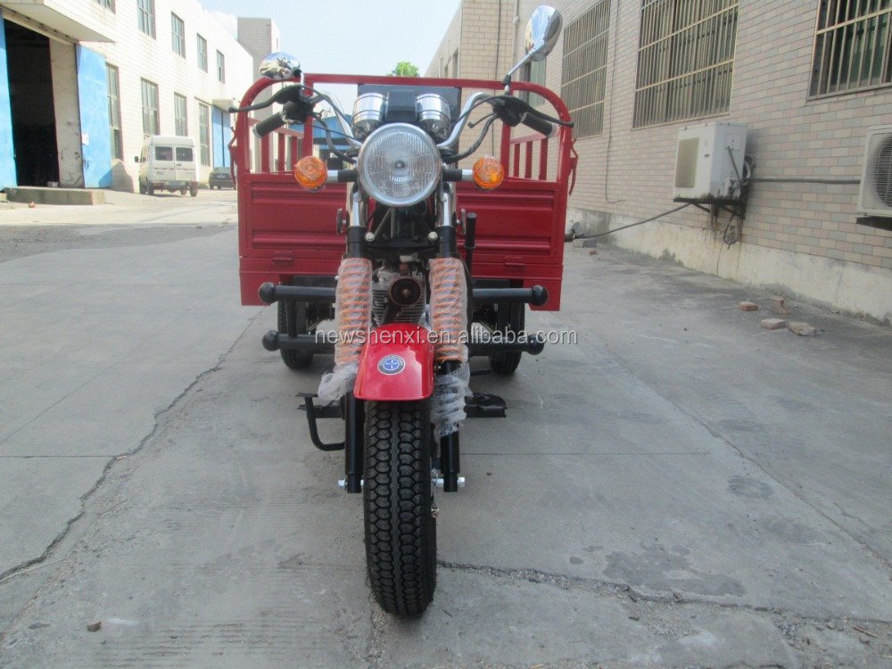 Displacement 200CC Three Wheel Motorcycle For Cargo OEM and Customized Service