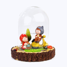 Zakka clear decorative glass dome with polyresin home decoration