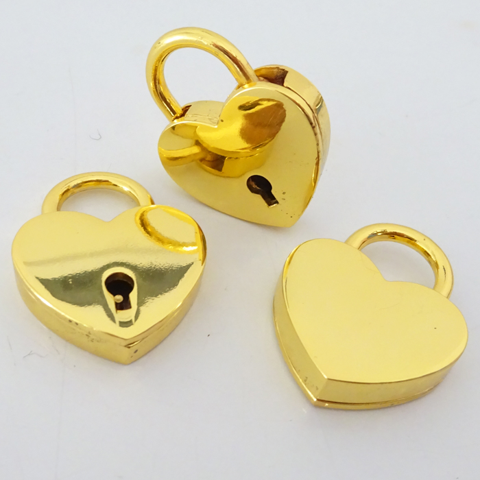 Utmost Quality Light Gold Plating Metal Love Padlock And Key In Heart Shape