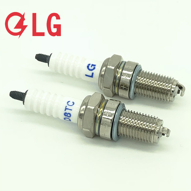 factory wholesale genuine D8TC spark plugs for motorcycles HONDA CB400 CB250 CB125 CG125