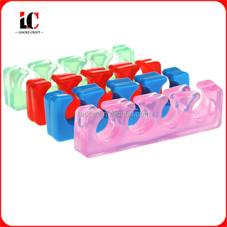 New arrival hot selling eco-friendly and non toxic reusable silicone toe separator for manicure and pedicure care use