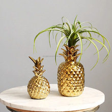 Christmas gifts golden ceramic pineapple decoration for home bedroom decorative