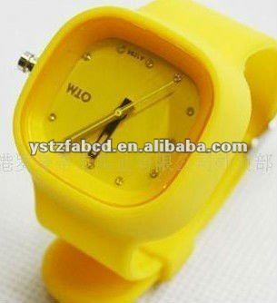 Super elegant and exquiste silicone jelly watch