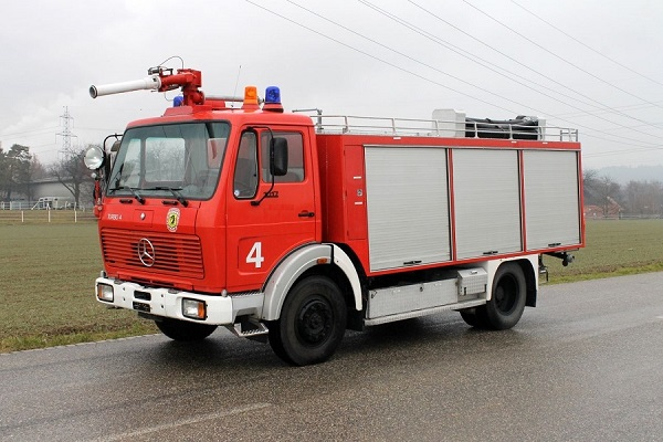 Airport Fire Truck Mercedes-Benz 1017 4x4