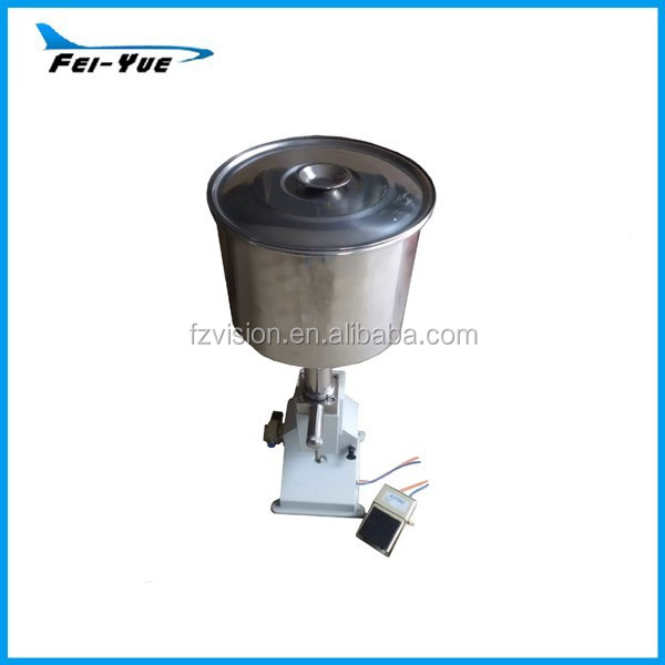 Cheap pneumatic filling machine for small dose 5ml 10ml 15ml 20ml 50ml with big hopper