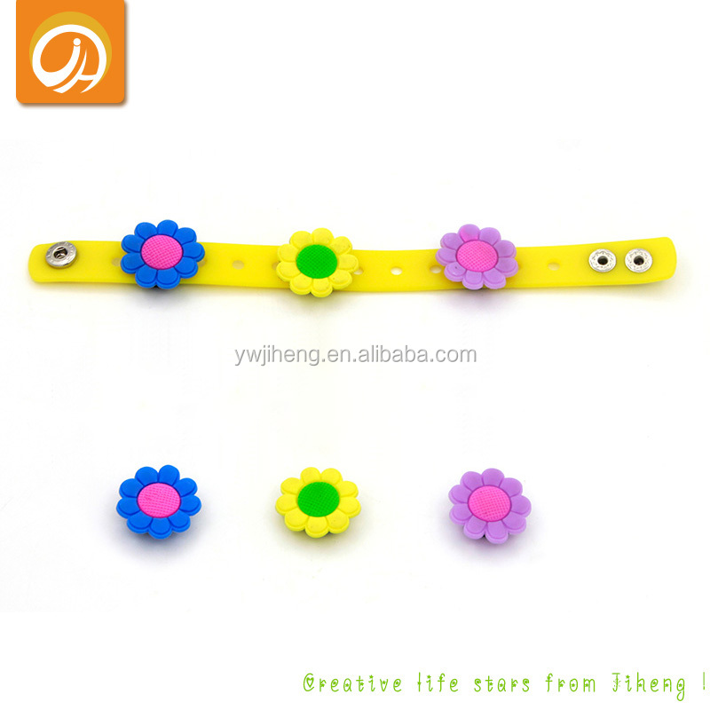 Customised Cheap Kids Silicone Button Bracelets for Children