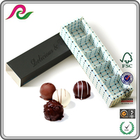 Factory price custom food packing Macaron box with inside paper divider