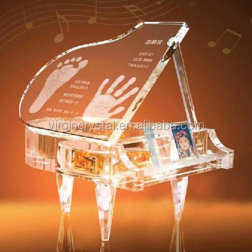2015 new design clear crystal piano music box laser engraved for souvenir gift