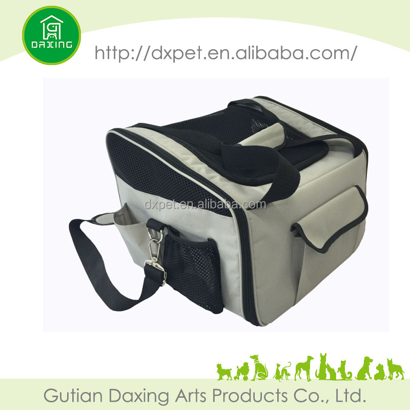 Hot dog carrier foldable pet carrier
