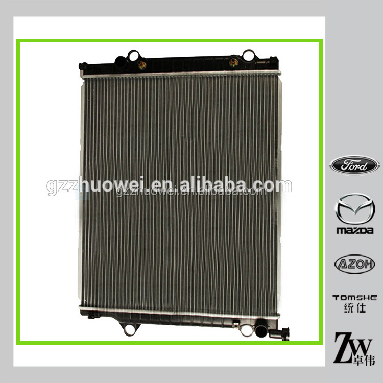 OEM Car Aluminum Radiator Car Radiator pa66 gf30 For Toyota Hilux