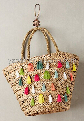 Wholesale cheap 100% people handmade summer beach seagrass straw bags/2016 new design straw bags with colorful tassels