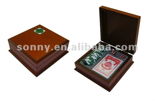 Wooden poker chip container