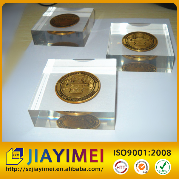 Round clear acrylic resin paperweight with Chinese ancient COINS inside