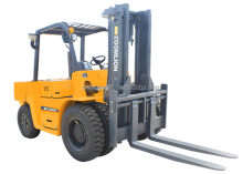 7t fork truck many attachments