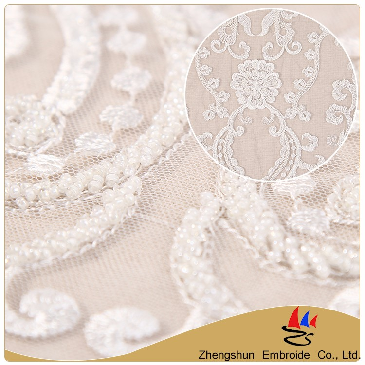 China supplier beautiful white flower embroidery 100% cotton indian bridal lace fabric with low price