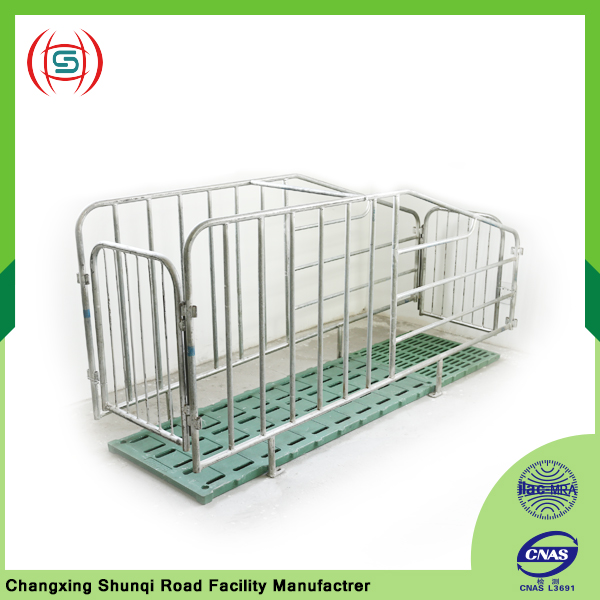 Fence type Collapsible Pig Iron Obstetric Table