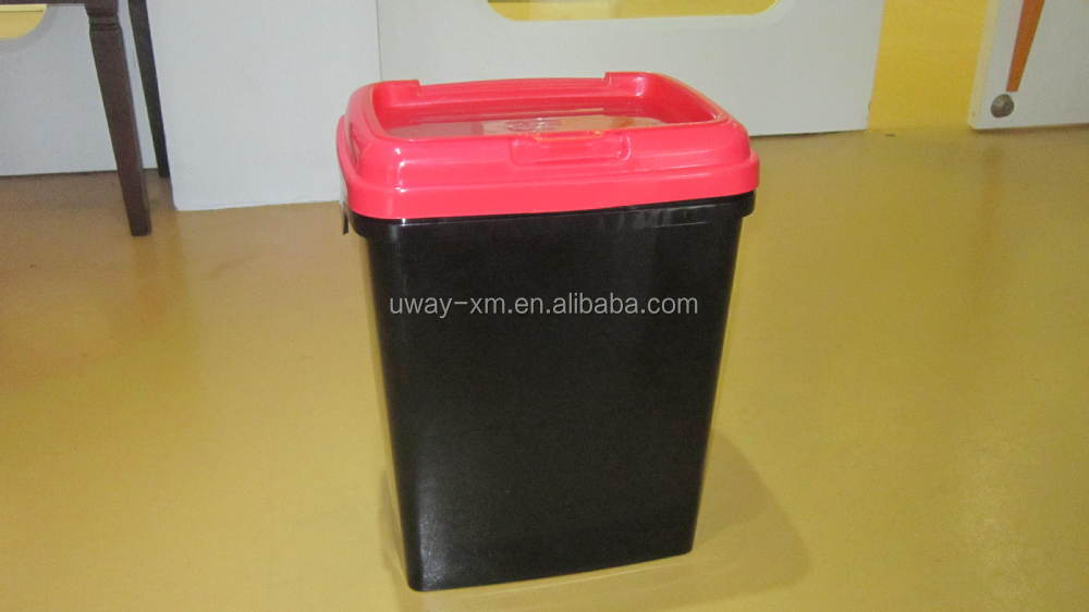 Airtight 15kgs pet food container with flap lid