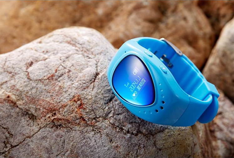 hot model Children emergency sos gps watch with light sensor fall off alarm, kids watch, gps tracker