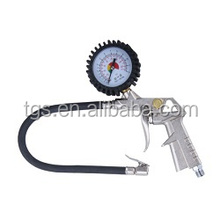 tire infating gun with tire chuck and tire gaue
