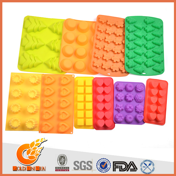 Easy for using and cooking silicone cake mould