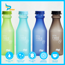 2016 New design BPA Free Plastic Soda Bottle with Straw