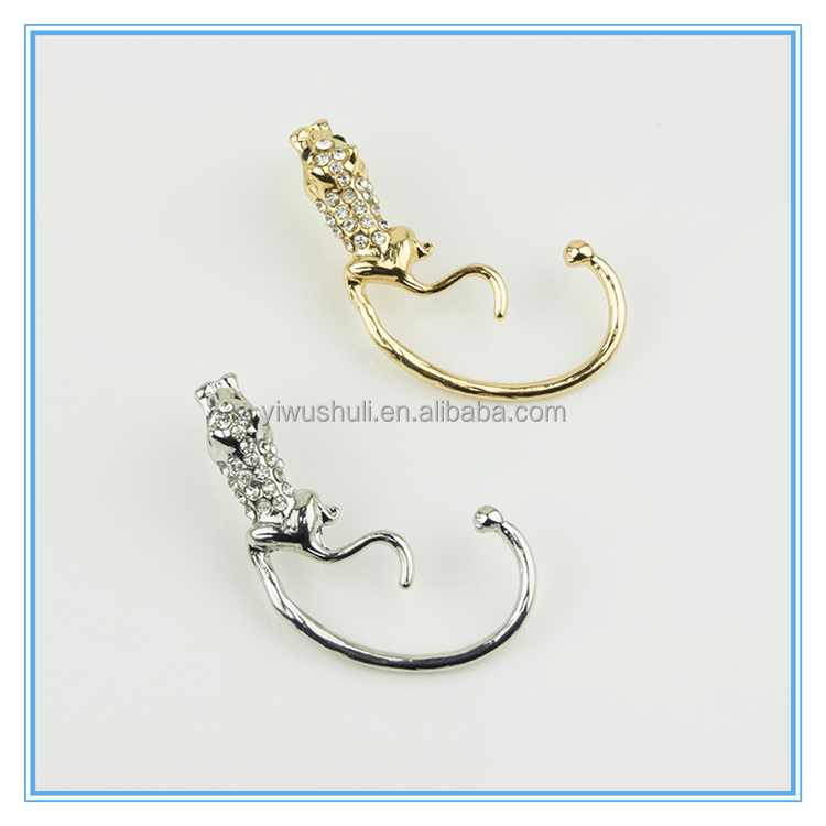 Wholesale Yiwu New fashion personality diamond leopard animal ear hanging alloy Earrings