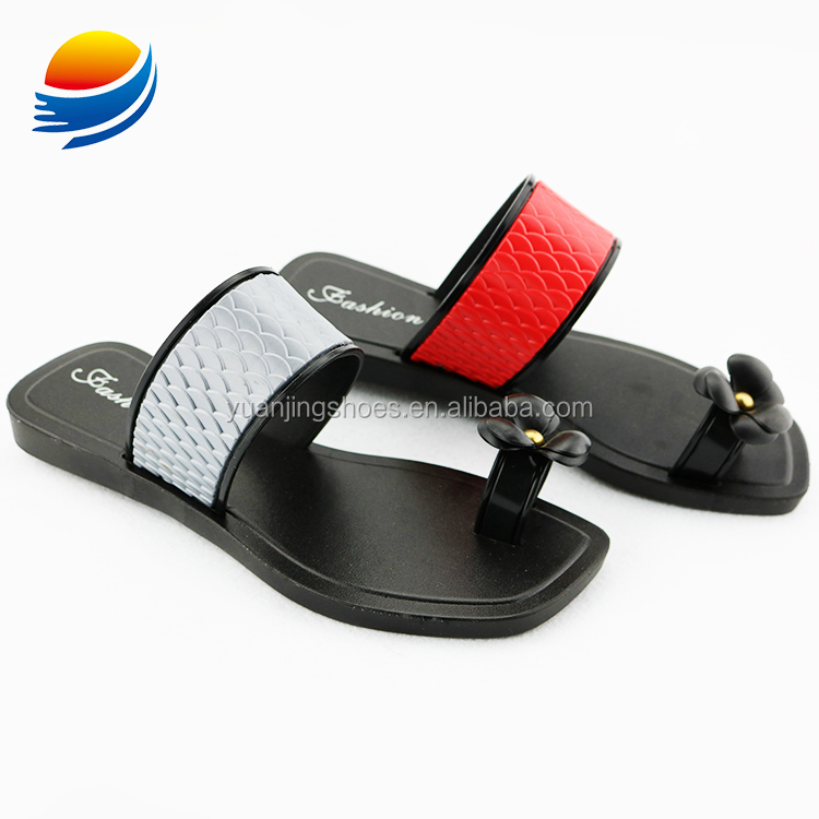 Competitive Price New Model Women Toe Separator Flat Sandals of Lady 1J627+1W
