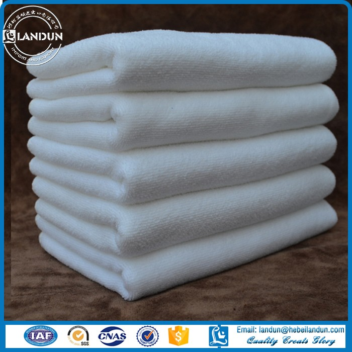 white Microfiber cleaning towel for hotel and kitchen cleaning