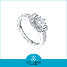 Rhodium plating 925 silver ring with clear zircon meda in china