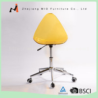High quality Modern design pp office chair with wheels new design plastic office chair with wheels