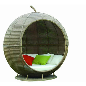 Modern Indoor Leisure Egg Sofa Outdoor Garden Furniture Round Outdoor Wicker Sofa Beds Patio Rattan Beach Beds