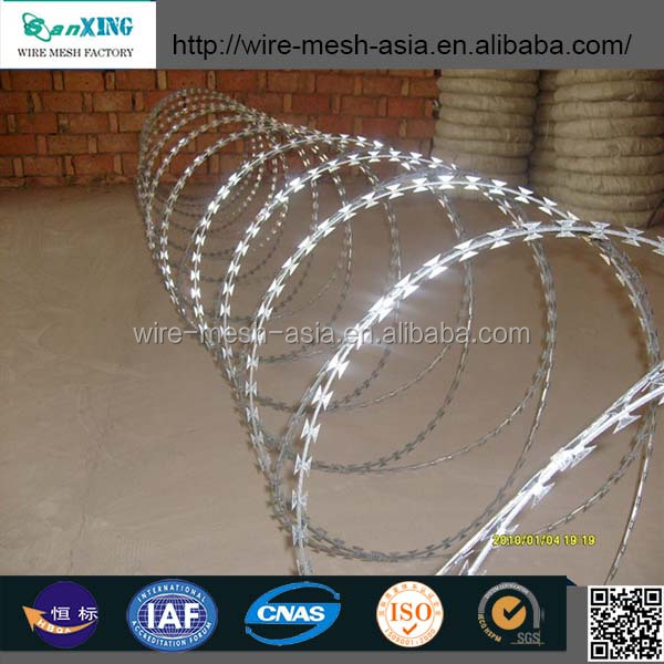 concertina razor wire made by hot dip galvanized with with plate
