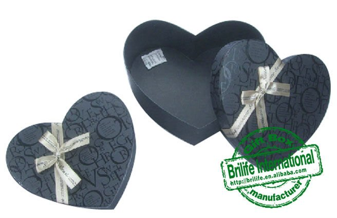 heart shaped candy paper box