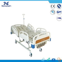 YXZ-C-004D Hot sell hospital cheap manual crank patient bed, medical clinic bed