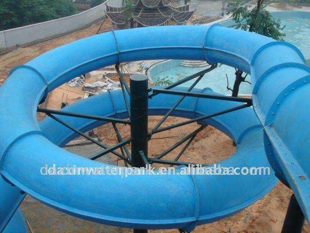 tunnel toboggan en spirale pour parc aquatique. Black Bedroom Furniture Sets. Home Design Ideas