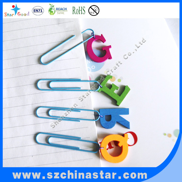 Good quality with lower price paper clip with wood pendant