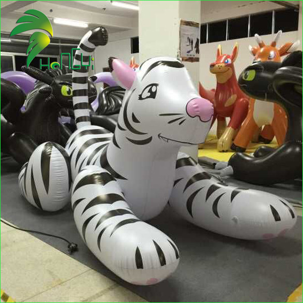 inflatable white tiger (2)