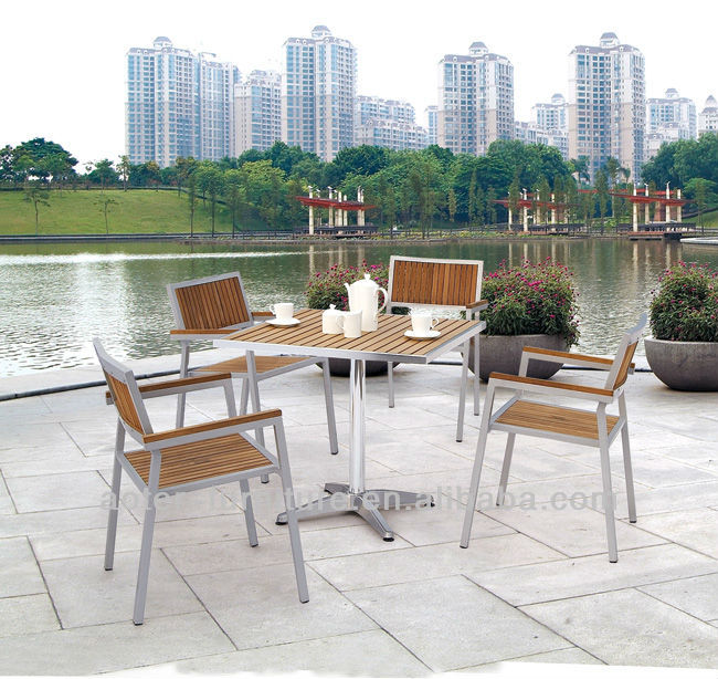 Leisure Ways Garden Furniture Wood Table And Chair Uesd