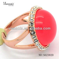2013 Fashion Gold Plated Resin Ring with Rhinestone