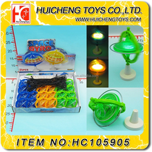 Magic Eco-friendly small space Pull foot gyro plastic light up spinning top toy cheap china wholesale EN71
