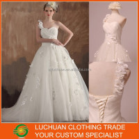 Hot Design One Shoulder Sweetheart Beaded Ball Gown Tulle Wedding Dress Real Picture